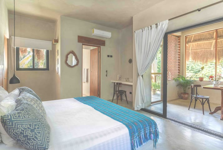 Charm Oasis in central Tulum with swimming pool