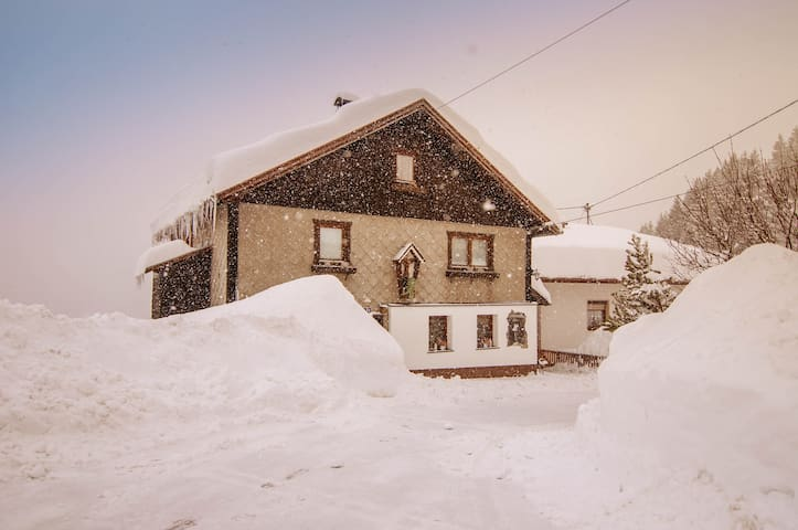 Basecamp - Mountain Hostel nahe Ischgl & St. Anton
