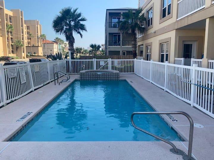 Newest beach view 2 bedroom condo 🌴 pool & hot tub