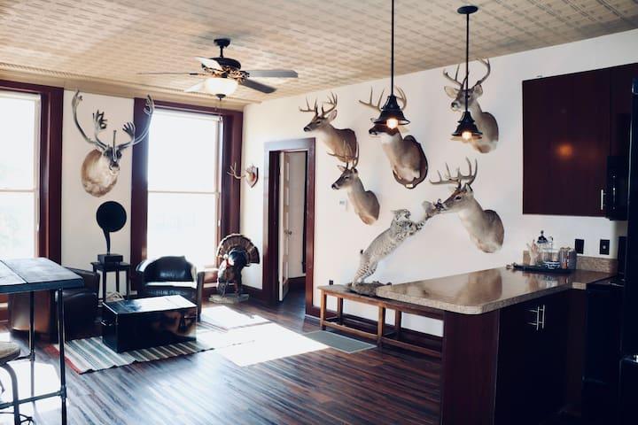 The Lofts @ Throckmorton Hunters Suite