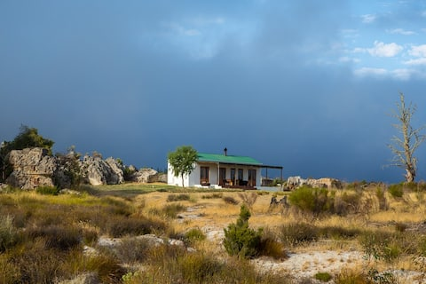 Rooibos Cottage (NO PETS)