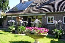 Landhuis met grote tuin