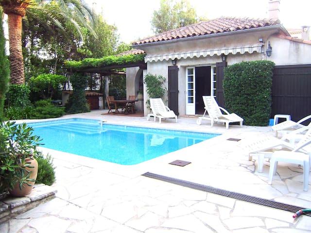 Sunsplashed Villa w/Pool  - Cannes - Huis
