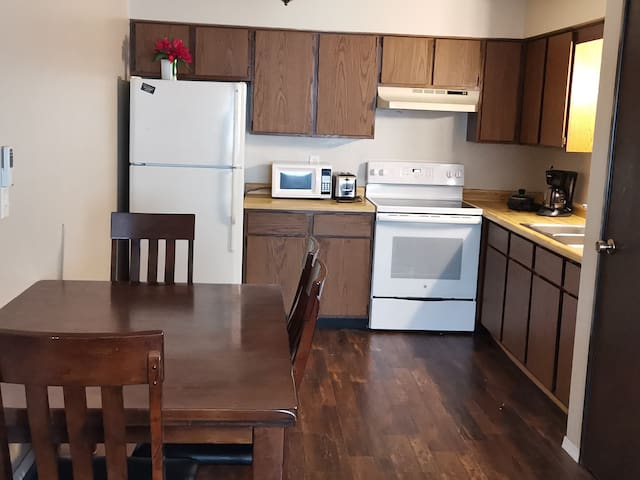 Large 2 Bedroom Apartment in West ALLIS WI