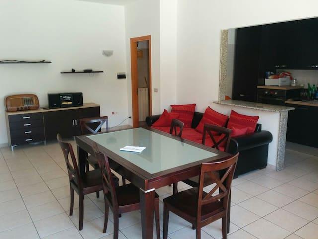 Comodo appartamento con terrazzo - Acquaviva Picena - Appartamento