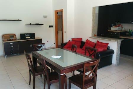 Comodo appartamento con terrazzo - Acquaviva Picena
