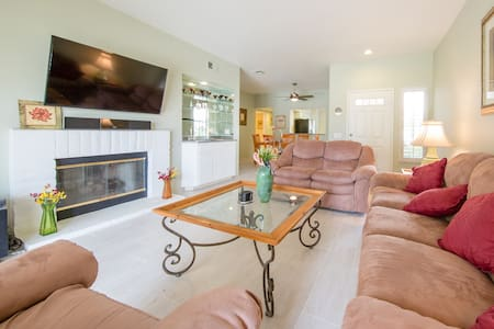 Deluxe Condo in Palm Desert!  Great for Coachella! - Palm Desert