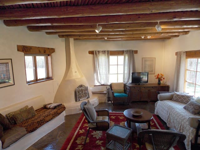 Lumina Gardens-  Entire Home: Casa Verde#4 - Taos - Huis