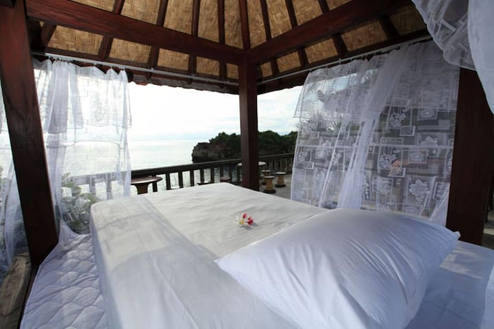 Best Sunset View Bungalow in Lembongan