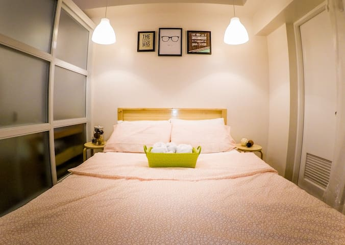 Tagaytay Staycation Flat (for 4 pax)