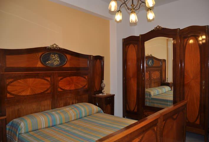 Appartamento nel centro storico  - Palermo - Appartamento