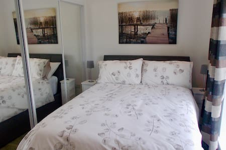 Near Glasgow Crosshouse Troon + Ensuite