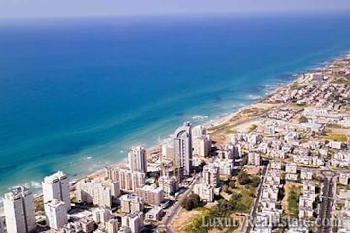 Luxury apt in Netanya