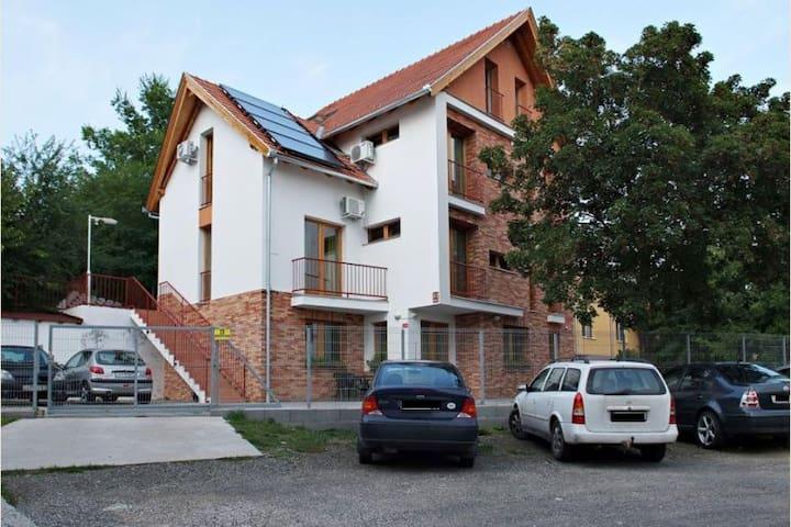 Centrum Apartments: Simply Elegant - Pécs - Casa