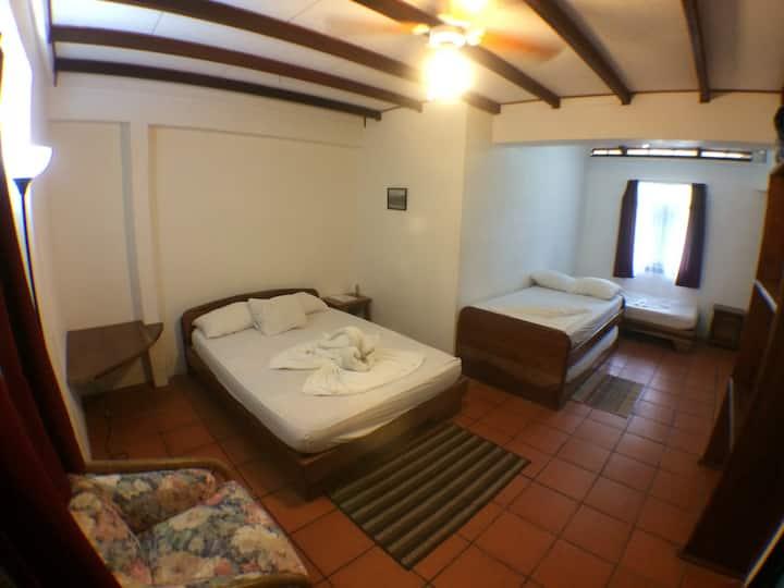 Casa Marbella - Standard Family Room