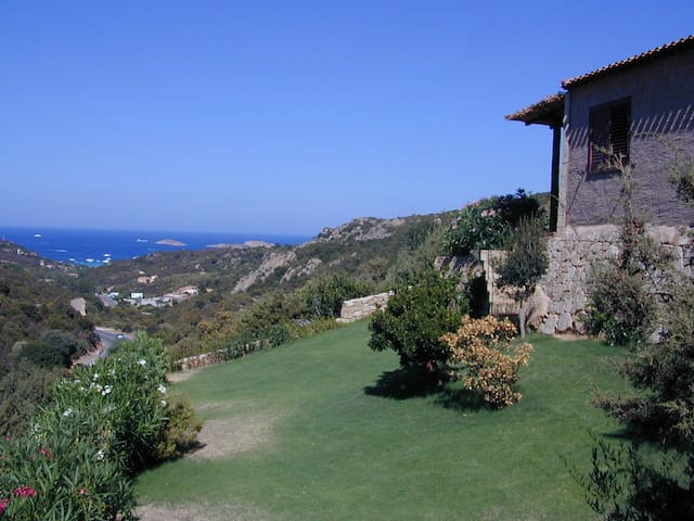 Private villa with amazing sea view - Abbiadori - Casa