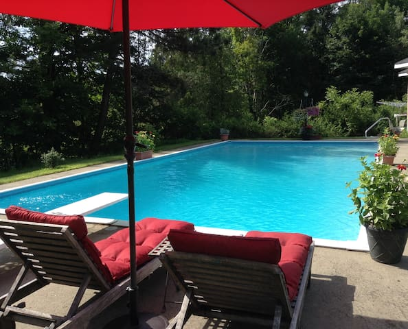 Knowlton Gem- with private pool.  - Knowlton - House