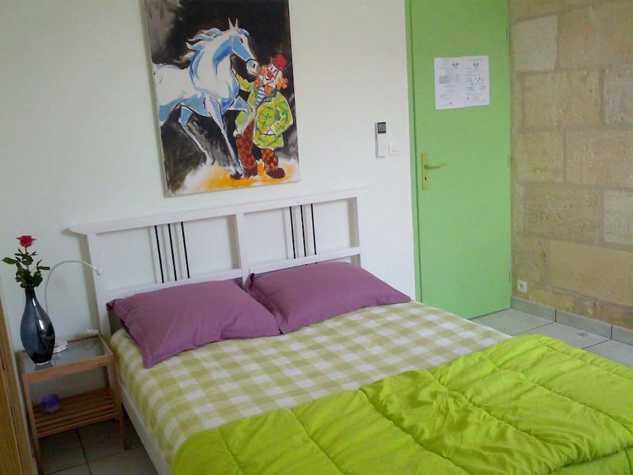 chambre clown 2 personnes 55€