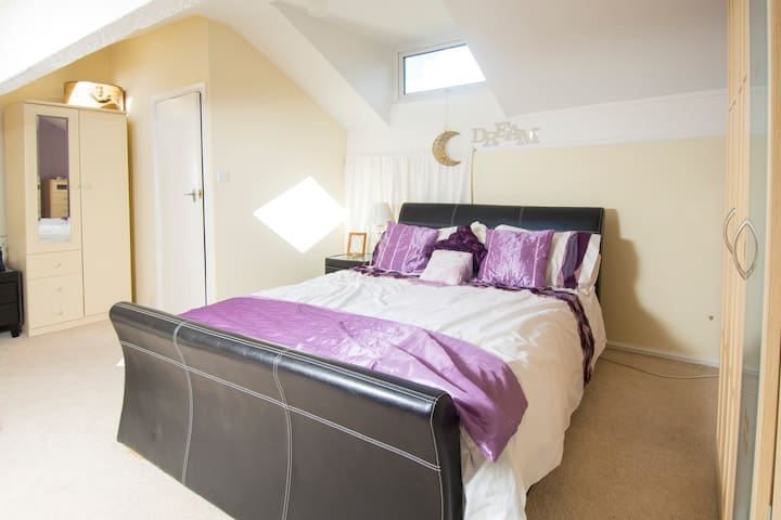 Loft Room nr Pennine Bridle Way