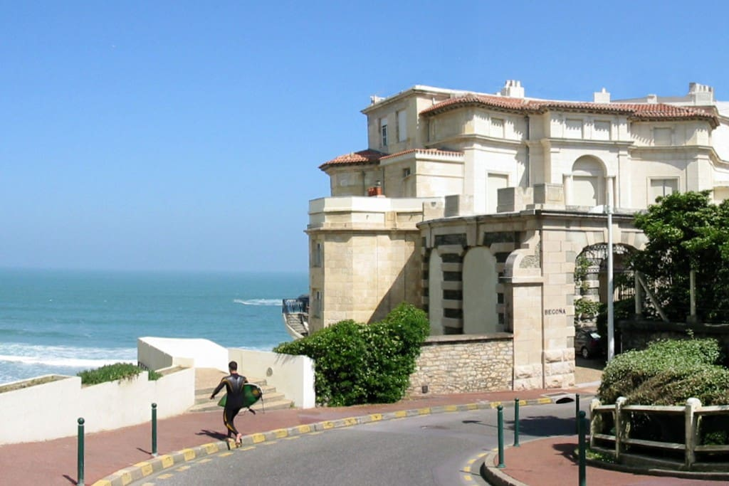 This is the access to the Villa Begona and to the Miramar beach