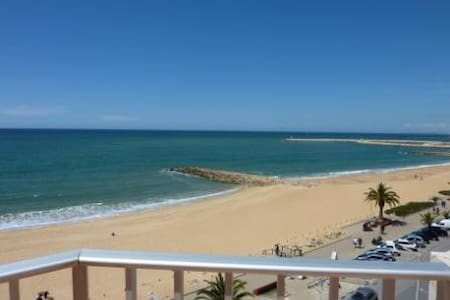 Amazing 1 bedroom over the Sea - Quarteira - 아파트