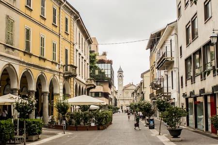 4 camere da affittare singolarmente - Saronno