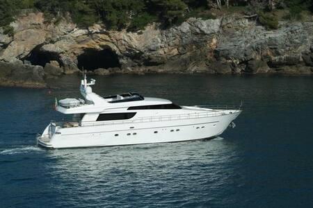 Yacht San Lorenzo SL 72 Fly - Porto Cervo - Boot