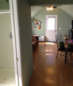 Quaint Cottage in East Marion - East Marion - Loft