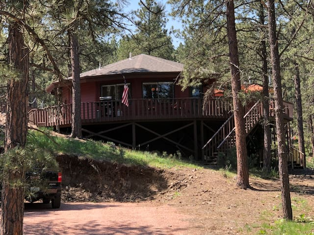 Black Forest Octagon Lodge