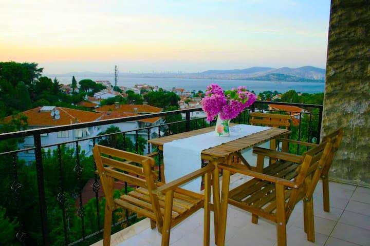 DENİZ MANZARALI HAVUZLU 3+1 DAİRE - Adalar - Apartament