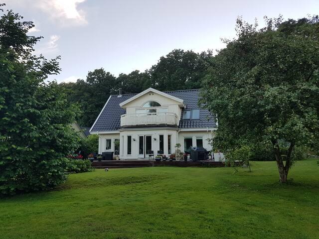 Rose's place - Charming wood house 190 kvm - Hillerød