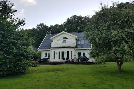 Rose's place - Charming wood house 190 kvm - Hillerød - Villa