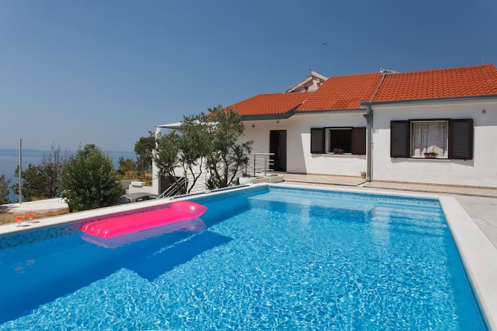 Villa Arthur with swimming pool - Podstrana