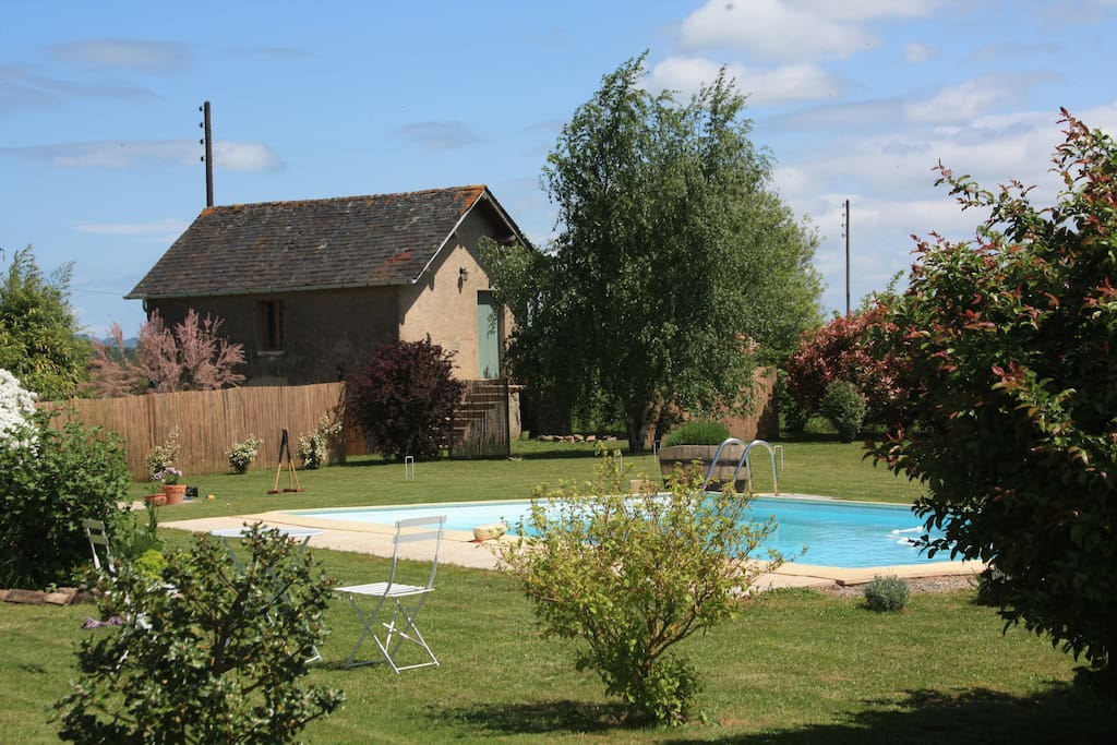 La Jouanade Chalet and pool