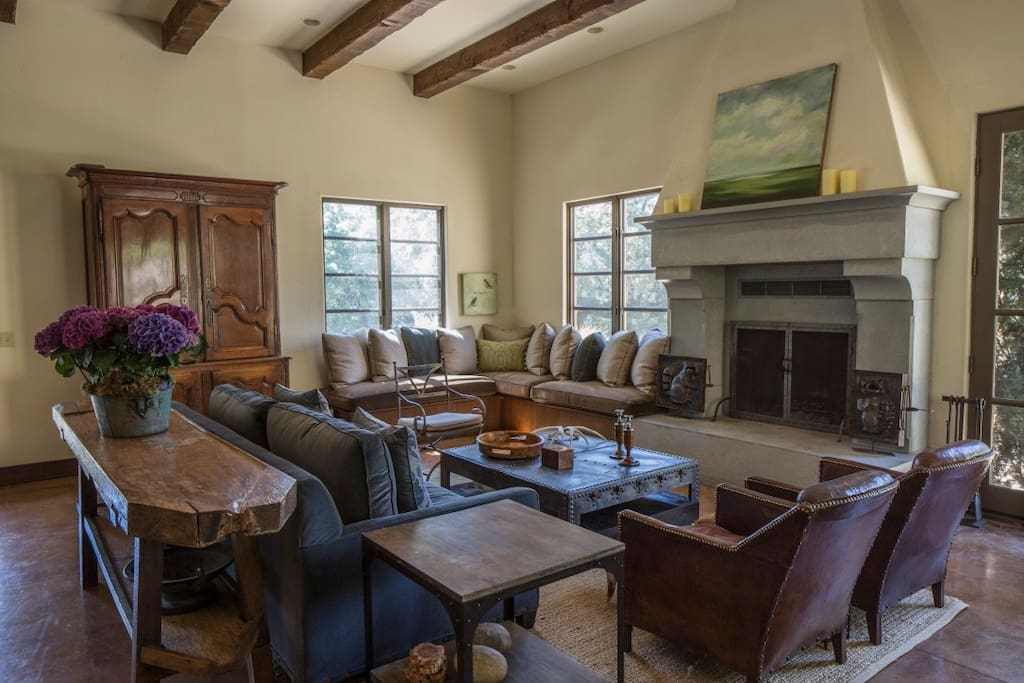 Great Living Room with 12' ceilings and large fireplace