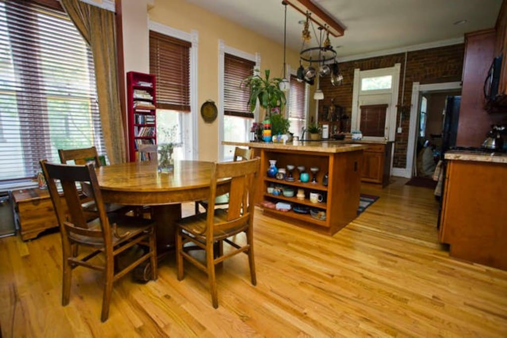 Kitchen and dining area - available to guests.