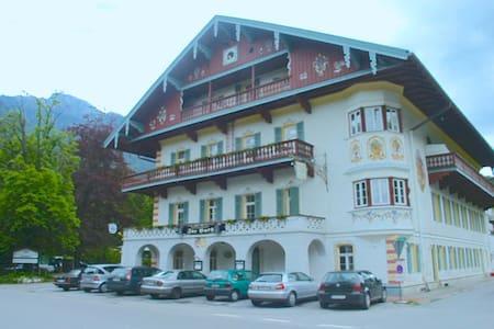 App. in historischen Haus mit Terr. - Aschau im Chiemgau