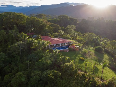 Toucan Garden Villa 4 Bedroom Rainforest Retreat
