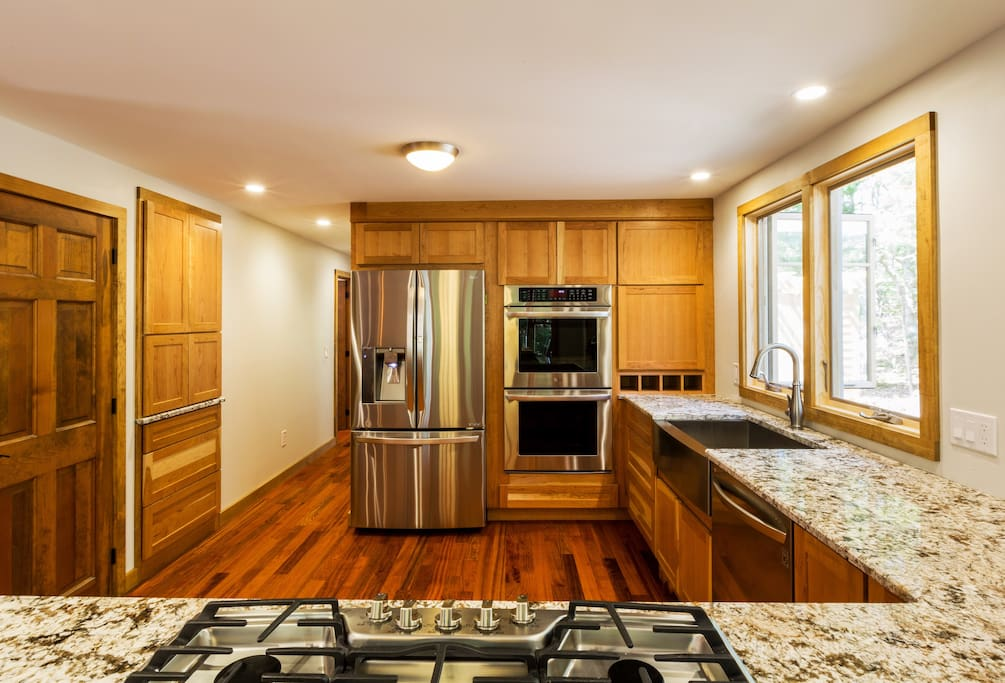 Fully stocked kitchen (shared use with owner)