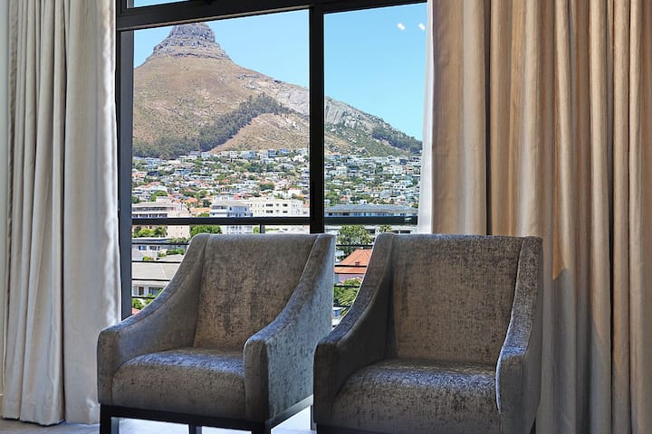 Modern 2 Bed Sea Point Aparthotel | The Verge