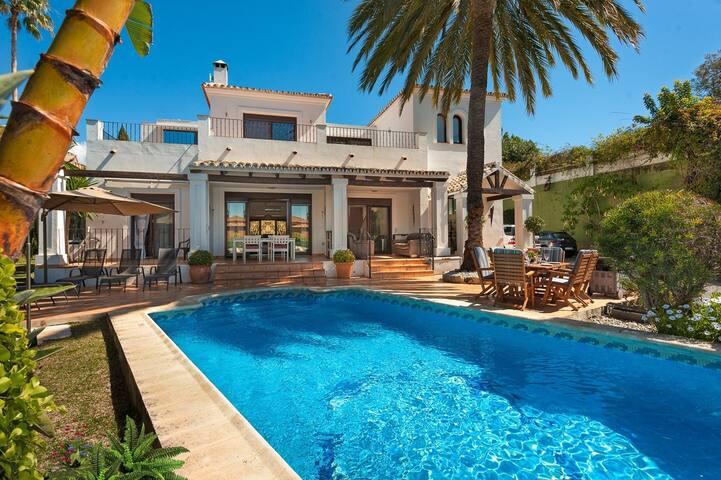 VILLA RENATA 271 CANOVAS MARBELLA - Marbella - Villa