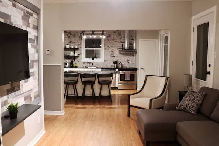 Newly renovated apartment in central Châteauguay!