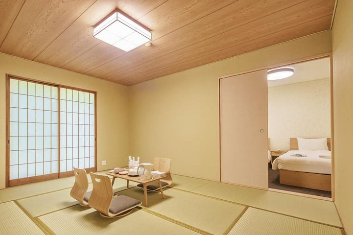 Bself Fuji Onsen Villa Family Room shower