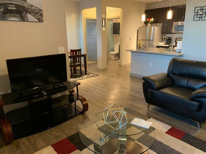 Wonderful Modern and Quiet 1BD| 1BA Apartment