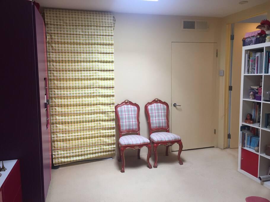 Closet & entrance to bedroom.