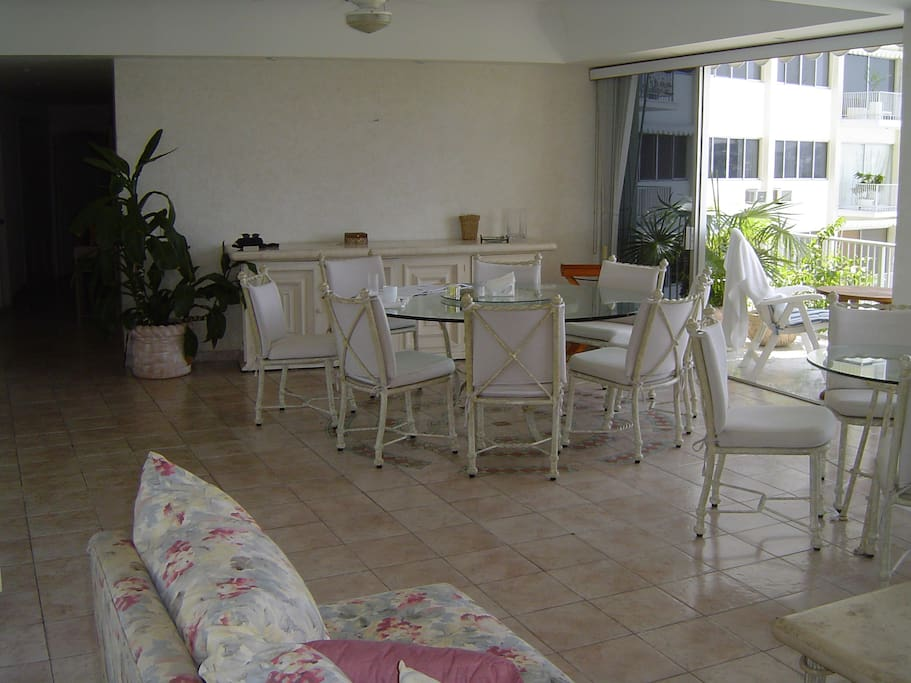 Dining area for up to 12 people.