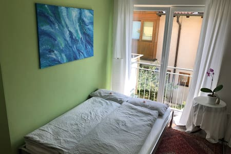 Cozy room in separate apartment incl breakfast