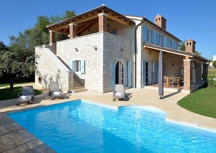 Villa Miramar, seaview, pool (6-8) - Vabriga - Villa