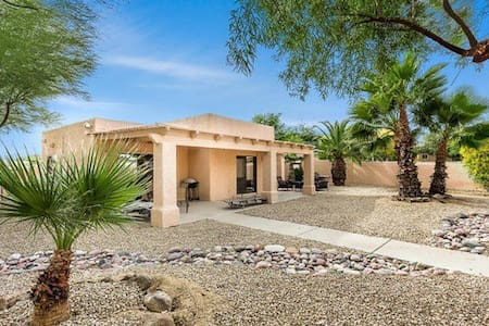 1BR Guest House with Private Yard - Paradise Valley