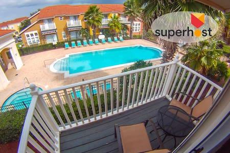 Lake Berkley Resort -  Pool View En Suite - 3br